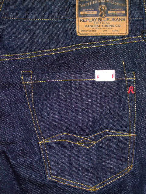 REPLAY WAITOM REGULAR STRAIGHT SLIM JEANS